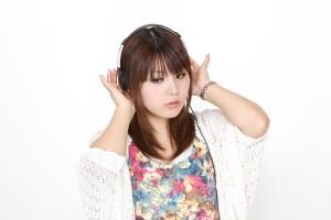 PAK56_headphonegirl500